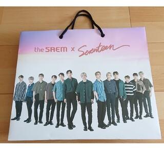 ザセム(the saem)の【SEVENTEEN】コラボバッグ セブチ ザセム 非売品 限定 レア(K-POP/アジア)