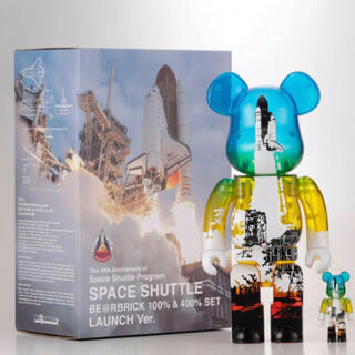 MEDICOM TOY - SPACE SHUTTLE BE@RBRICK LAUNCH 100%&400%