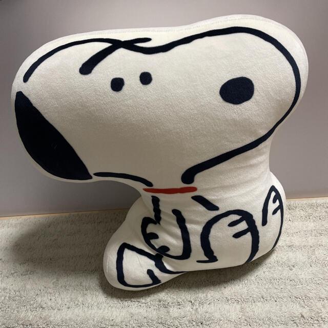 SNOOPY(スヌーピー)のUNIQLO ユニクロ 長場雄 スヌーピークッション エンタメ/ホビーのおもちゃ/ぬいぐるみ(キャラクターグッズ)の商品写真