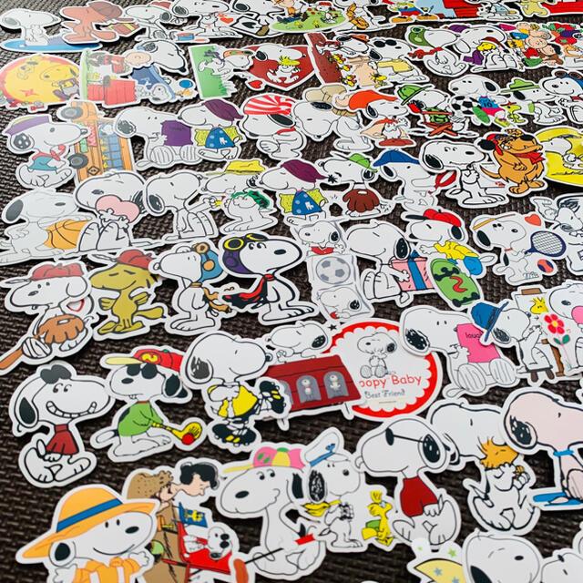 SNOOPY(スヌーピー)のコスパ最強・かわいい⭐️スヌーピー チャーリーブラウン 防水 ステッカー シール エンタメ/ホビーのおもちゃ/ぬいぐるみ(キャラクターグッズ)の商品写真