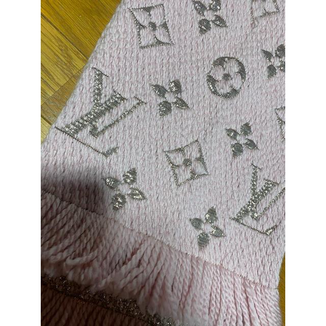 LOUIS VUITTON(ルイヴィトン)のルイ ヴィトン マフラー ロゴマニア ピンク レディースのファッション小物(マフラー/ショール)の商品写真