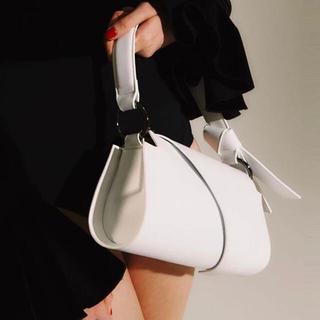 ZARA - ホワイト ハンドバッグ ショルダーバッグ