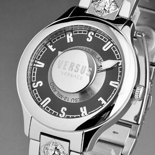 ヴェルサーチ(VERSACE)の【新品即納】ヴェルサス ヴェルサーチ メンズ腕時計 ロゴ ライオン スタッズ(腕時計(アナログ))