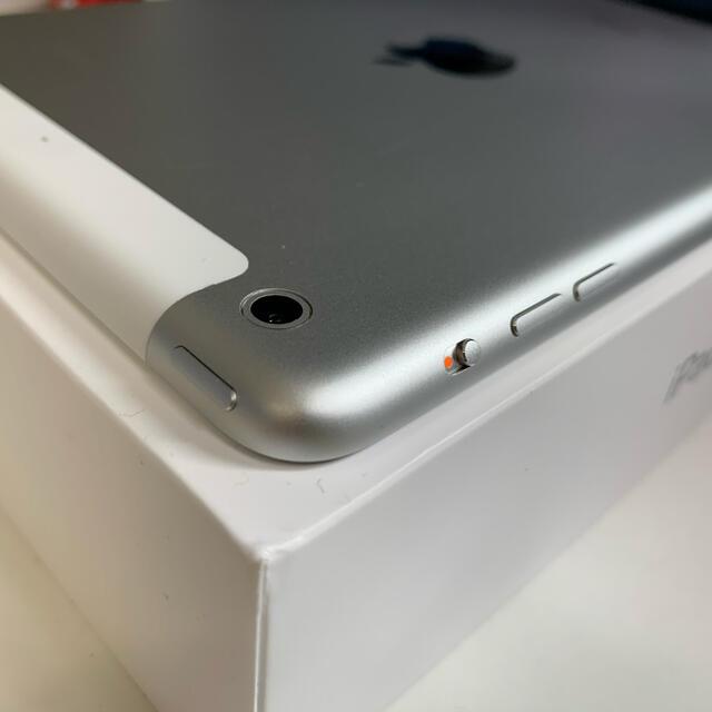 iPad(アイパッド)の【Retinaディスプレイ】iPad mini 2 Wi-Fi+セルラ【大容量】 スマホ/家電/カメラのPC/タブレット(タブレット)の商品写真