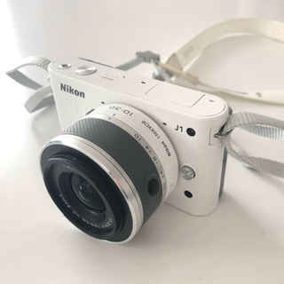 Nikon - Nikon J1(レンズに難あり)