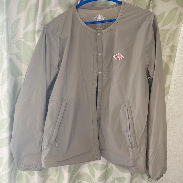 DANTON(ダントン)のダントン インサレーション ジャケット グレージュ レディースのジャケット/アウター(ノーカラージャケット)の商品写真
