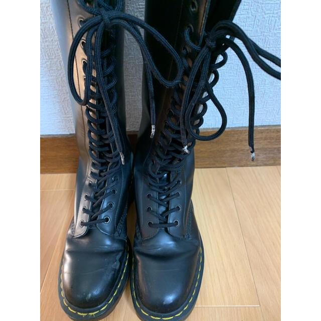 Dr.Martens(ドクターマーチン)のドクターマーチン 20ホールブーツ レディースの靴/シューズ(ブーツ)の商品写真
