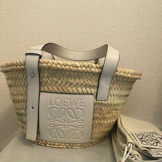 LOEWE - ロエベ  三越伊勢丹購入 LOEWE ホワイト Sサイズ  かごバッグ
