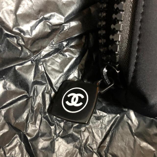 CHANEL(シャネル)の【新品 未使用 箱付】CHANEL シャネル ポーチ 黒 非売品 レディースのファッション小物(ポーチ)の商品写真
