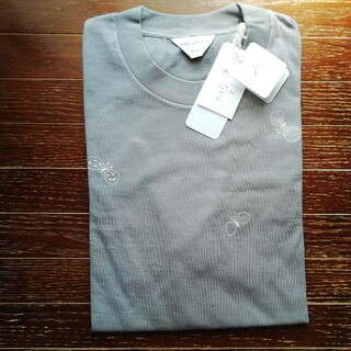 mina perhonen - ⭐ミナペルホネン choucho刺繍カットソー Tシャツ グレー 送料込❕
