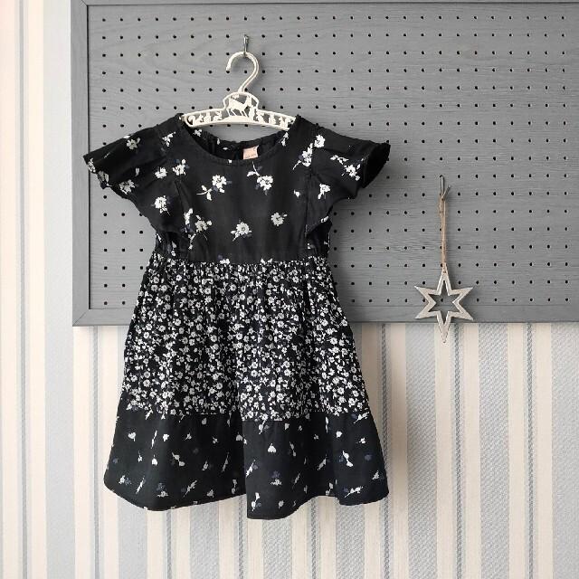 petit main(プティマイン)のプティマイン 花柄フレアワンピース 黒 100 キッズ/ベビー/マタニティのキッズ服女の子用(90cm~)(ワンピース)の商品写真