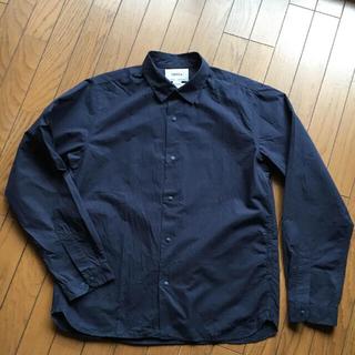 ヤエカ(YAECA)のYAECA COMFORT シャツ 濃紺 L(シャツ)