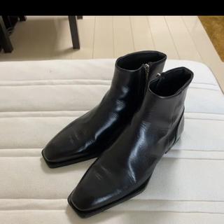 ザラ(ZARA)のZARA ジオメトリックソール付きリアルレザーアンクルブーツ(ブーツ)