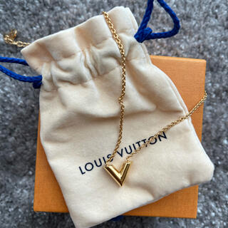 LOUIS VUITTON - LOUIS VUITTON ヴィトン ルイヴィトン エセンシャルV ゴールド