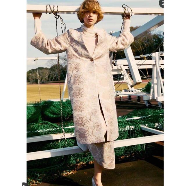 la belle Etude(ラベルエチュード)の【LA BELLE ETUDE】ペイズリージャガードロングガウン レディースのジャケット/アウター(ロングコート)の商品写真