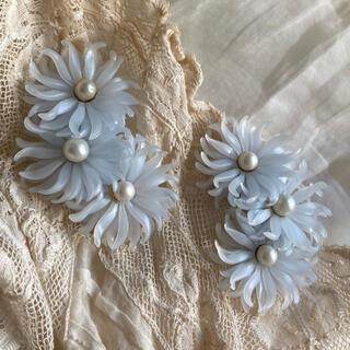 Lochie - Blue flower vintage earrings