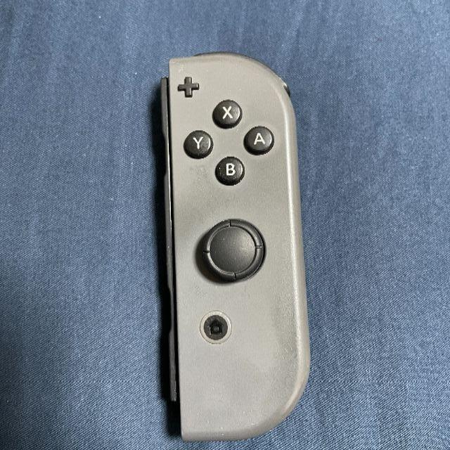 Nintendo Switch(ニンテンドースイッチ)のジョイコン グレー 右 エンタメ/ホビーのゲームソフト/ゲーム機本体(その他)の商品写真