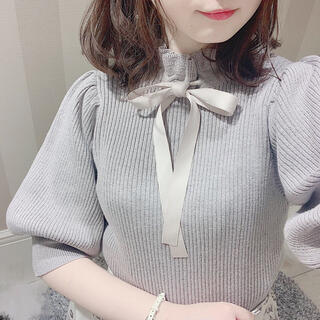 evelyn - 新品♡ エブリン evelyn ネックリボンパフ袖ラメニット