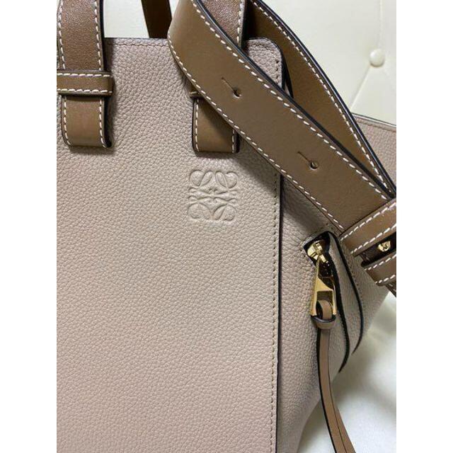 LOEWE(ロエベ)のLOEWE ロエベ ハンモック サンドミンク レディースのバッグ(ショルダーバッグ)の商品写真