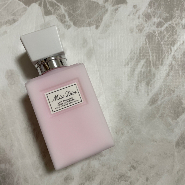 Christian Dior(クリスチャンディオール)のponchan 様専門 27日まで取り置き コスメ/美容のボディケア(ボディローション/ミルク)の商品写真