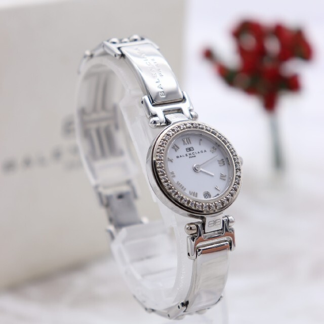 Balenciaga(バレンシアガ)の正規品【新品電池】BALENCIAGA 人気モデル/0819 動作品 ホワイト レディースのファッション小物(腕時計)の商品写真