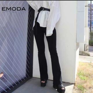 エモダ(EMODA)のエモダ  コルセット マークフィット フレアパンツ 美脚パンツ フィットフレア(カジュアルパンツ)