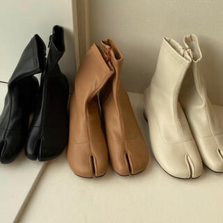 lawgy tabi  boots ivory