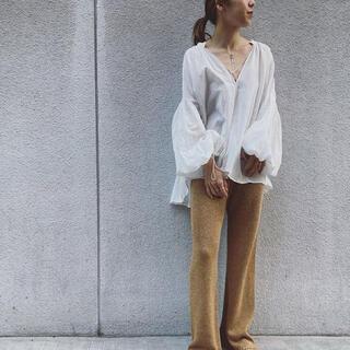 ファビアンルー(Fabiane Roux)のNOWOS gather blouse ギャザーブラウス 白シャツ 今季 完売品(シャツ/ブラウス(長袖/七分))