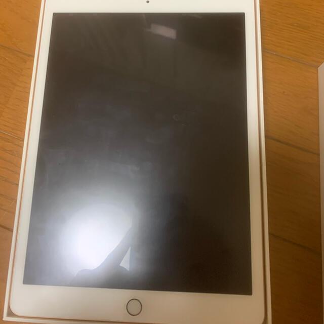 Apple(アップル)のiPad 第七世代 ローズゴールド 32GB スマホ/家電/カメラのPC/タブレット(タブレット)の商品写真