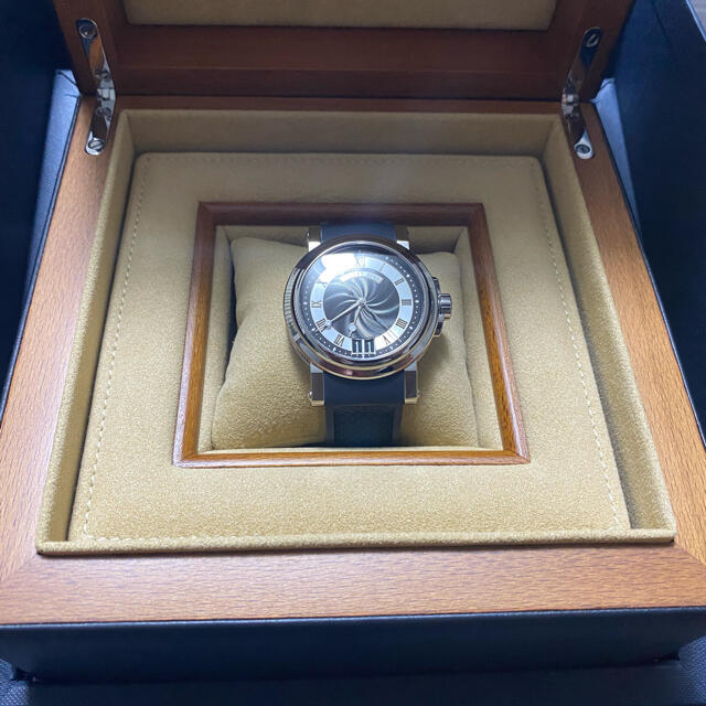 Breguet(ブレゲ)の【週末値下!】ブレゲ  マリーンⅡ ブラック Ref.5817ST/92/5V8 メンズの時計(腕時計(アナログ))の商品写真