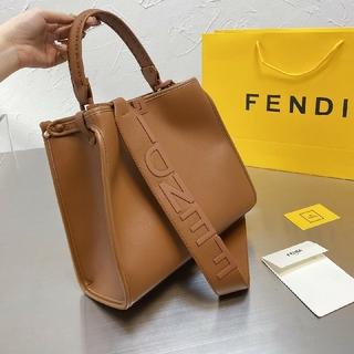 FENDI - Fendi    フェンディ      トートバック