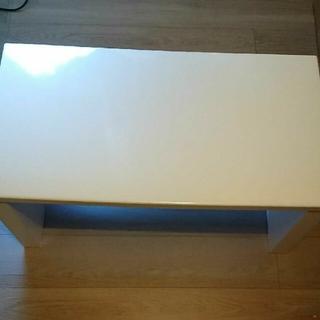 匿名配送 ホワイト 長方形 木製ローテーブル 傷など多数ありジャンク品(ローテーブル)