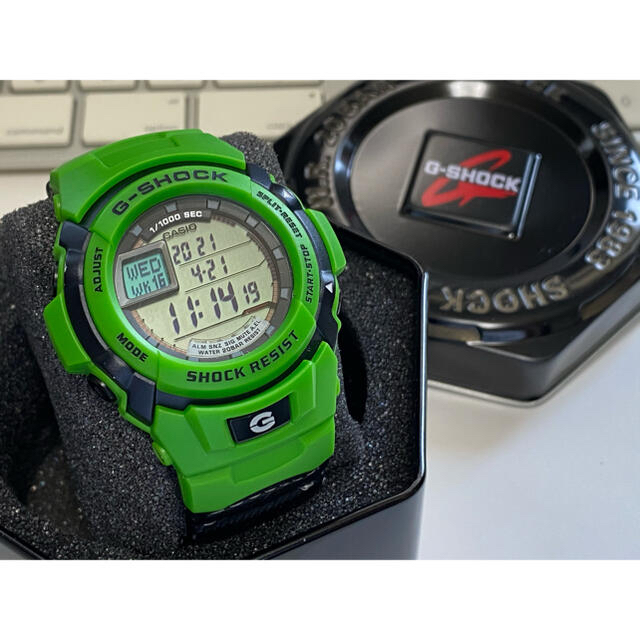 G-SHOCK(ジーショック)のコラボ/G-SHOCK/Kawasaki/バイク/限定/ビンテージ/グリーン/緑 メンズの時計(腕時計(デジタル))の商品写真