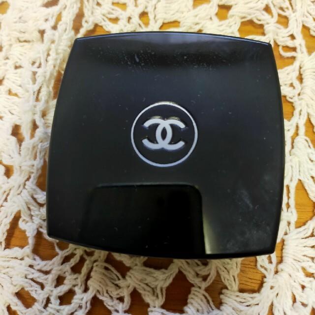 CHANEL(シャネル)の美品!シャネルレキャトルオンブル 362 カンドゥールエプロヴォカシオン コスメ/美容のベースメイク/化粧品(アイシャドウ)の商品写真