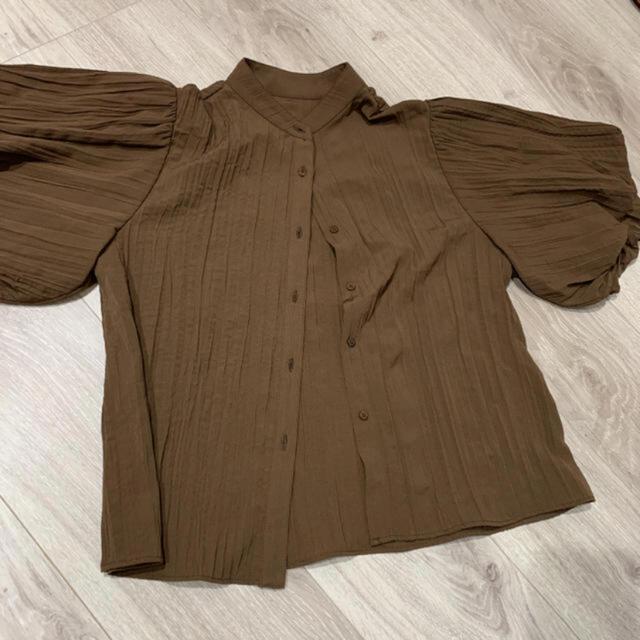 Lily Brown(リリーブラウン)のリリーブラウン ブラウス レディースのトップス(シャツ/ブラウス(半袖/袖なし))の商品写真