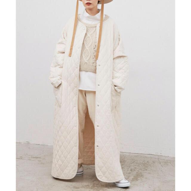 Auntie Rosa(アンティローザ)のリブラ キルティングコート アイボリー レディースのジャケット/アウター(ロングコート)の商品写真