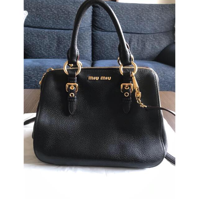 miumiu(ミュウミュウ)のmiumiu マドラスバッグ ブラック×ボルドー レディースのバッグ(ハンドバッグ)の商品写真