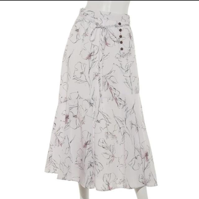Apuweiser-riche(アプワイザーリッシェ)の週末限定値下げ💐アプワイザーリッシェ♡フラワー柄スカート レディースのスカート(ロングスカート)の商品写真