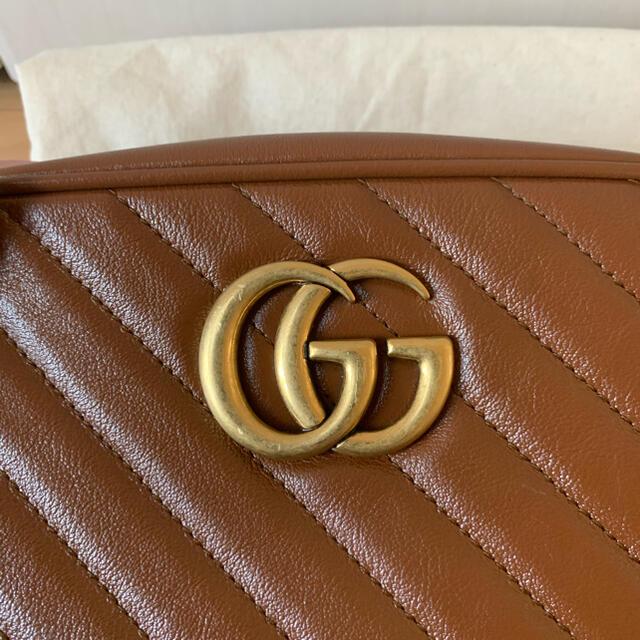Gucci(グッチ)のGUCCI グッチバッグ GGマーモントキルティング スモール ショルダーバッグ レディースのバッグ(ショルダーバッグ)の商品写真