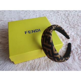 FENDI - ★オススメ  FENDIフェンディ  カチューシャ