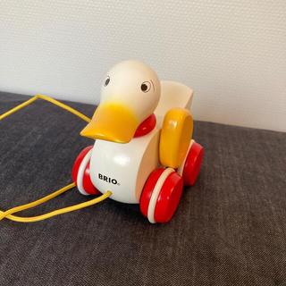 ブリオ(BRIO)のBRIO アヒル ダック 木のおもちゃ   プルトイ(手押し車/カタカタ)