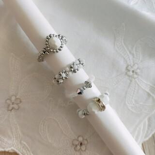 ビーズ 指輪 4点セット ホワイト×シルバー ハンドメイド(リング)
