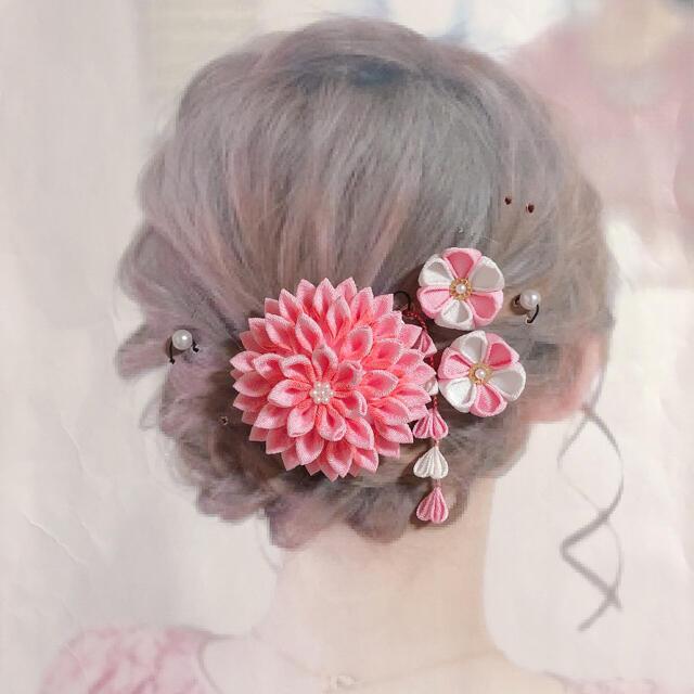つまみ細工 髪飾り 七五三 成人式 ハンドメイドのアクセサリー(ヘアアクセサリー)の商品写真