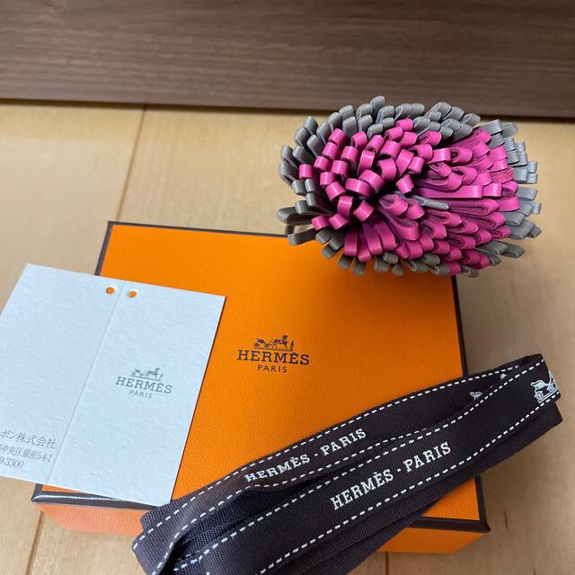 Hermes(エルメス)の美品 エルメス カルメン エトープ×ローズショッキング レディースのファッション小物(キーホルダー)の商品写真