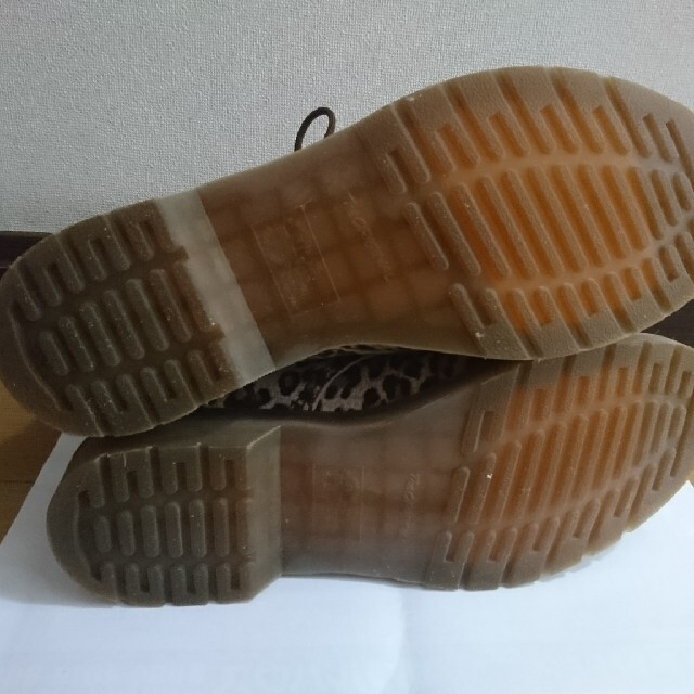 Dr.Martens(ドクターマーチン)のDr.martens 8ホール レオパード ヒョウ柄  豹柄 UK9 マーチン メンズの靴/シューズ(ブーツ)の商品写真