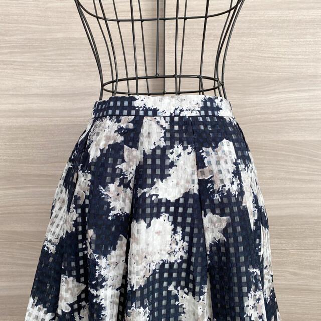 MERCURYDUO(マーキュリーデュオ)のMERCURYDUO  マーキュリーデュオ ギンガム柄 花柄 フレアスカート レディースのスカート(ひざ丈スカート)の商品写真