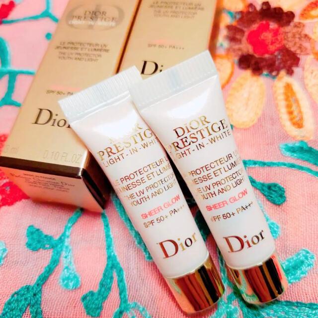 Dior(ディオール)のディオール プレステージ ホワイト ルプロテクターUVシアーグロー 化粧下地 コスメ/美容のベースメイク/化粧品(化粧下地)の商品写真