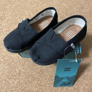 トムズ(TOMS)の新品 未使用 タグ付き TOMS トムズ スリッポン 靴 黒 ブラック 14cm(スリッポン)