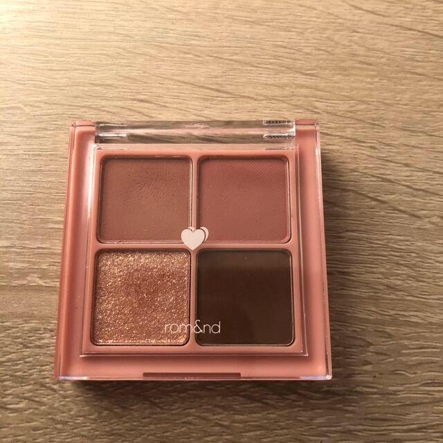 ロムアンド コスメ/美容のベースメイク/化粧品(アイシャドウ)の商品写真