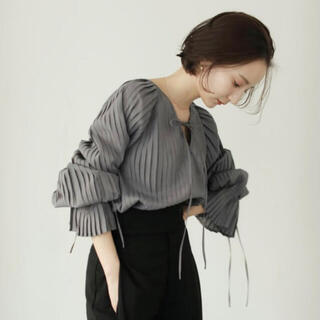 louren all pleats volume blouse